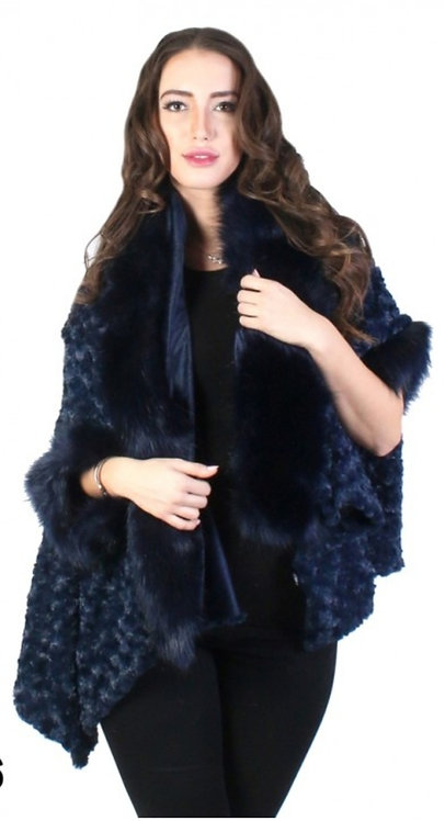 GRAND FAUX FUR DESIGN CAPE