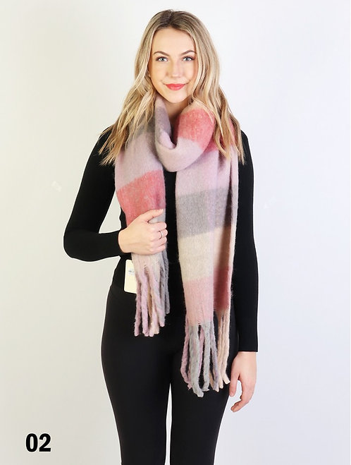 GRAND PLUSH SCARF PINK WITH FRINGE