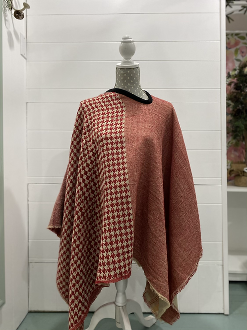 RED PATTERNED PONCHO