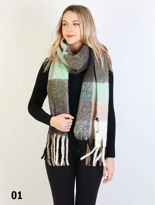 GRAND PLUSH SCARF MINT WITH TASSELS