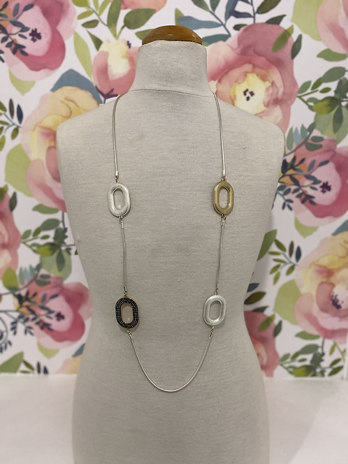SILVER LONG NECKLACE WITH OVAL DETAIL