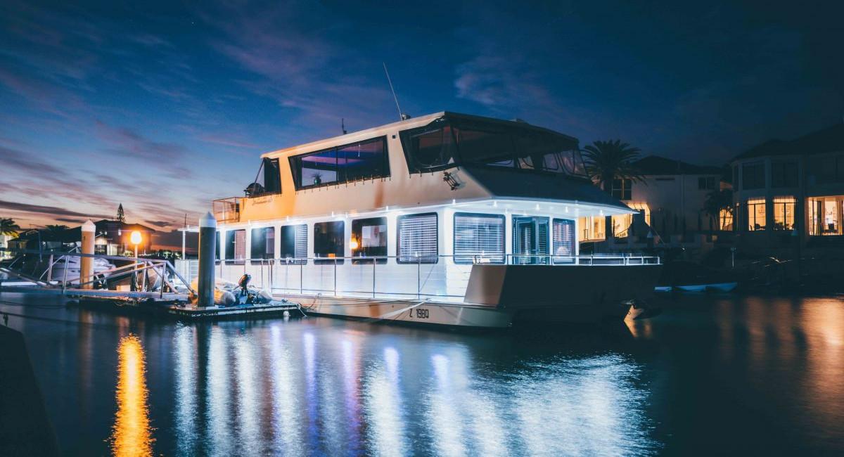 HouseBoat-144-1200x800.jpg