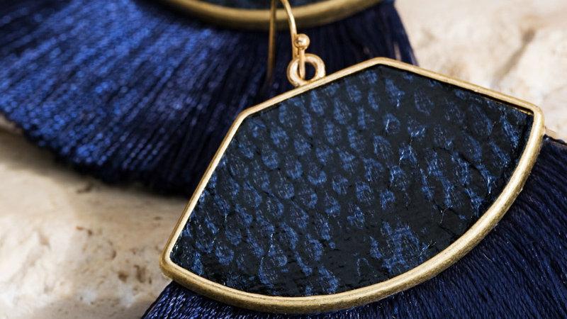 Fine thread tassel with faux leather snake print trapezoid dangle earrings