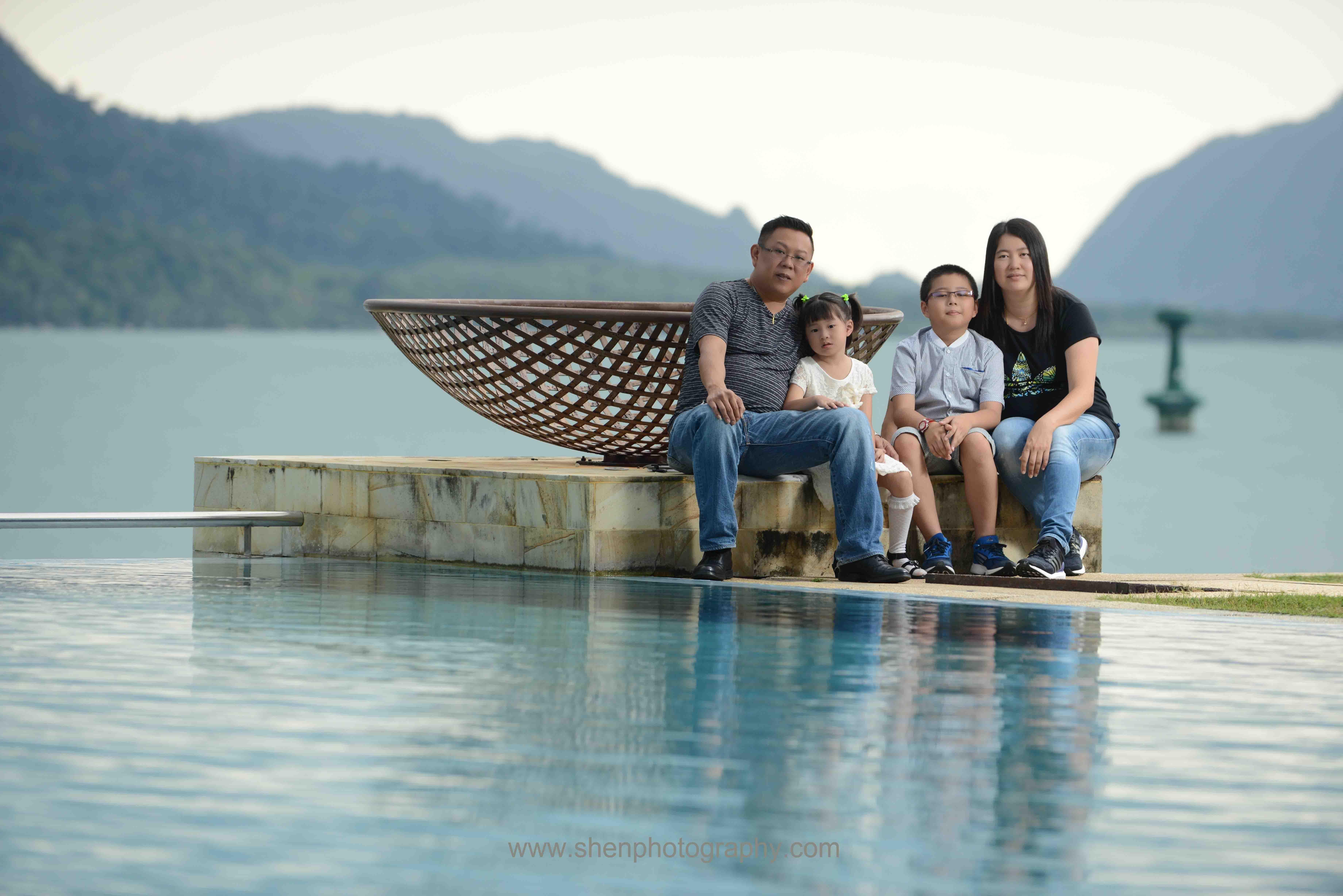 Ch'ng's family