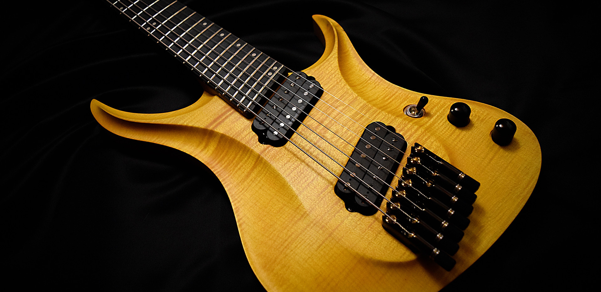Crios Guitars Kolibri 2.jpg