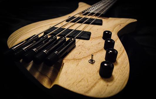 Overlord Bass Crios 1.jpg