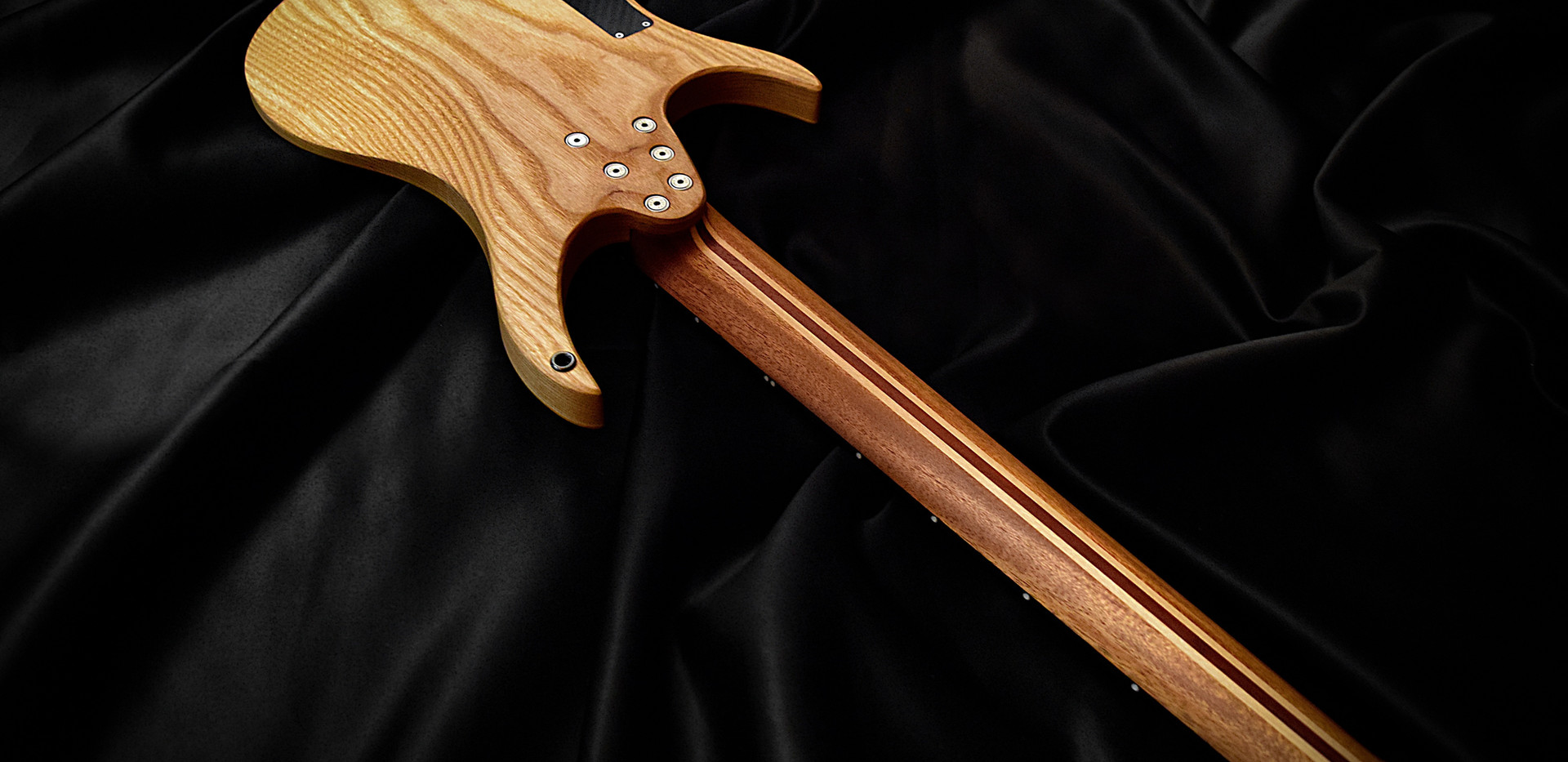Crios Guitars Kolibri 5.jpg