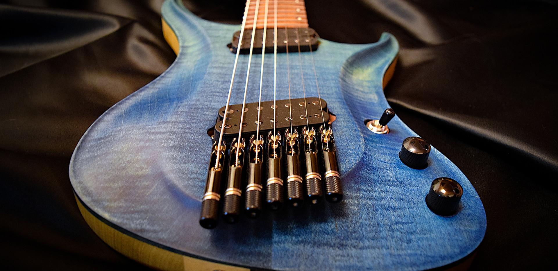 Crios GuitarsKolibri 6.jpg