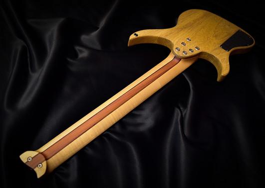 Crios Guitars Kolibri 12.jpg