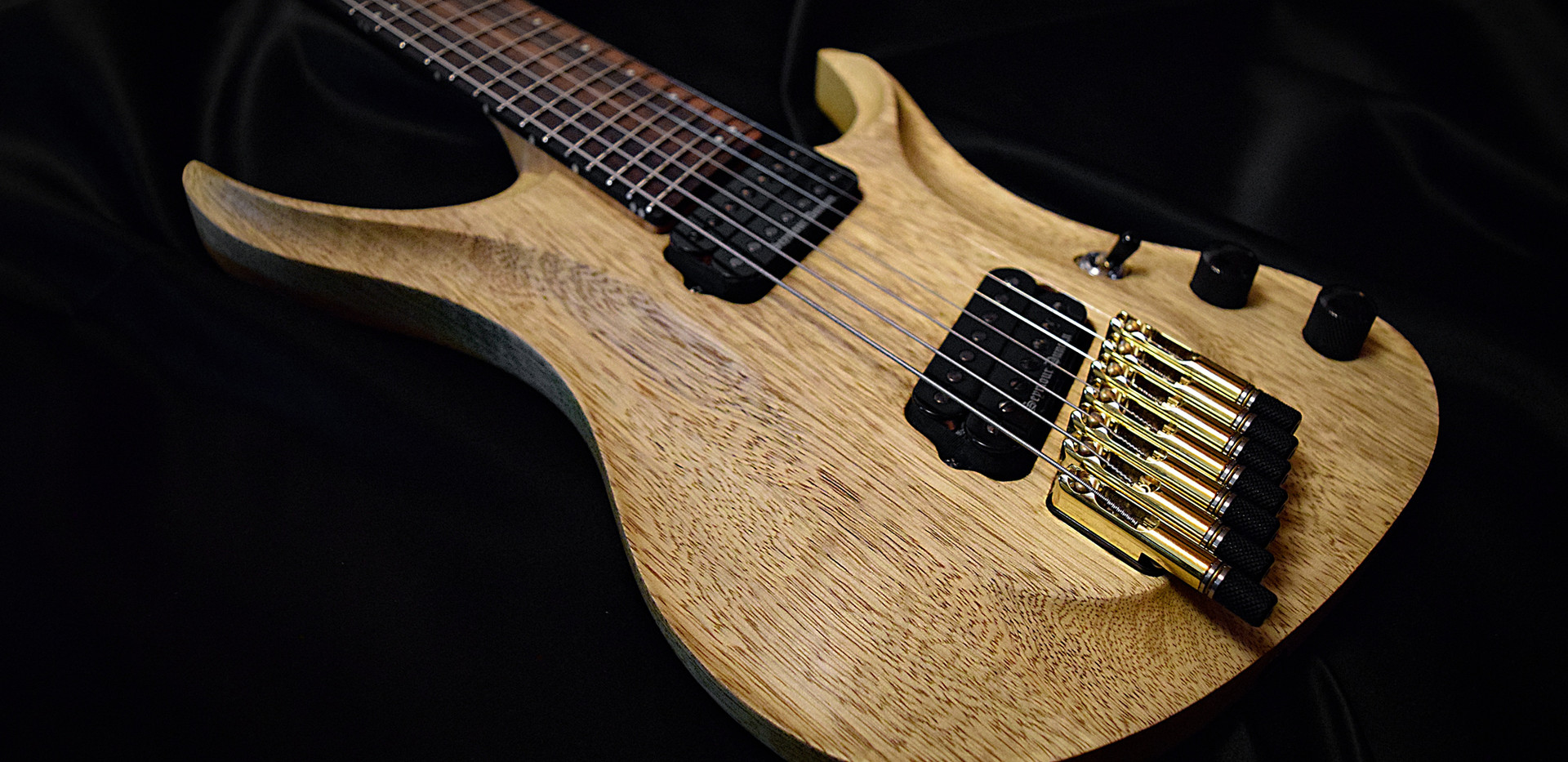 Crios Guitars Kolibri 9.jpg