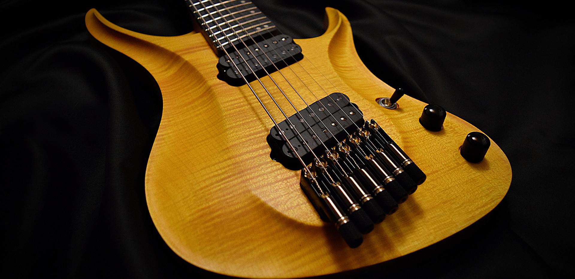 Crios Guitars Kolibri 1.jpg