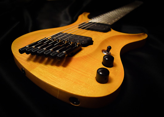 Crios Guitars Kolibri 3.jpg