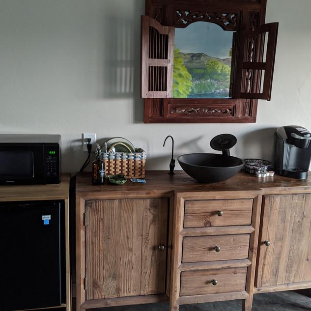 River kitchenette.jpg