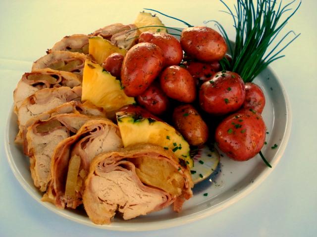 Pollo relleno jamón piña