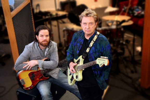 Andy Summers Interview: 'Police' Guitarist Unleashes Musical Genius on 'Circus Hero'
