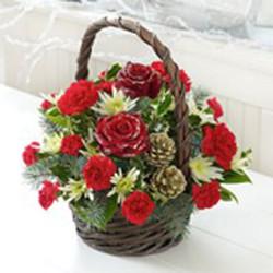 xmas basket arrangement in reds.jpg