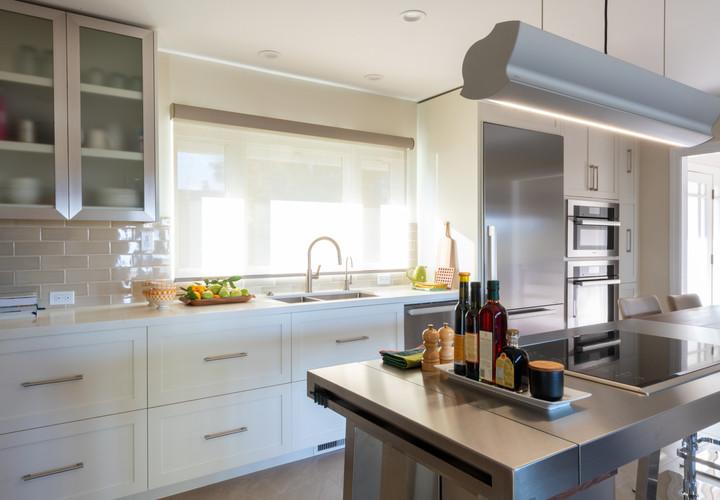 Hilltop Modern Kitchen - San Rafael