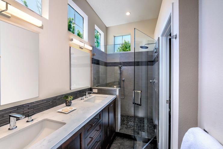 Modern Bathroom - Petaluma