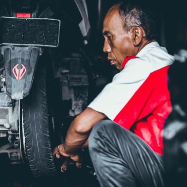 Saiba como calibrar corretamente os pneus do seu carro