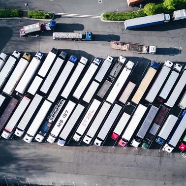 Os riscos do excesso de carga em caminhões