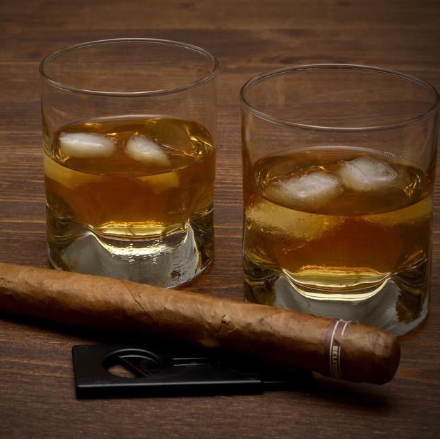 whisky-3313592_1920.jpg