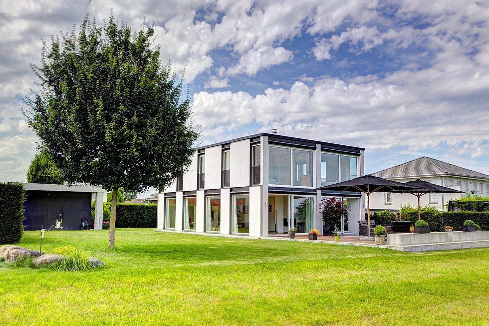 modernes Einfamilienhaus Glashaus