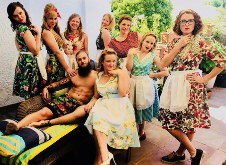 Life Drawing Hen's Party Melbourne....add a touch of wow with a theme!