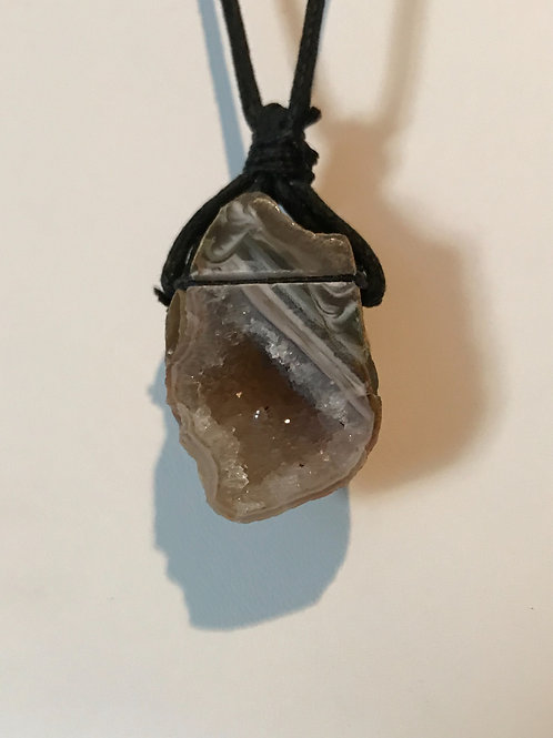 Geode Necklace White Swirl (Charged)