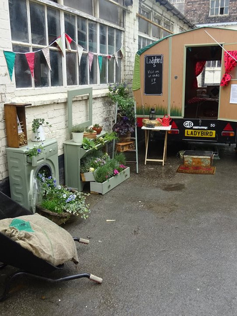 Urban pop up garden