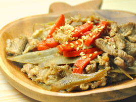 Kinpira Gobo (Sauteed burdock root with carrot)