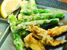 Asparagus and Maitake Tempura