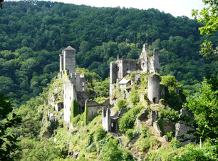 Saint-Geniez-ô-Merle_tours_de_Merle_depu