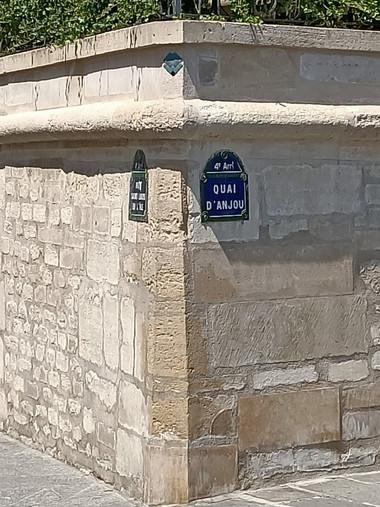 Quai d'Anjou, Paris
