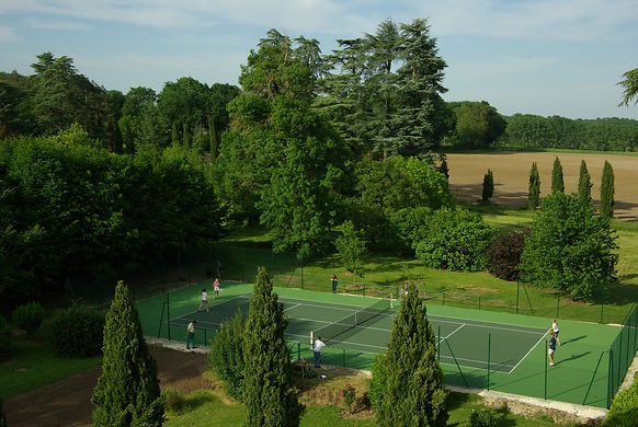 Château de Poudenas tennis et golf sur place location gites sud ouest