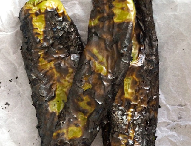 Hatch Chilis, Roasted, Frozen (per 8oz pack)