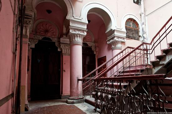 the-staircases-of-odessa-houses-ukraine-
