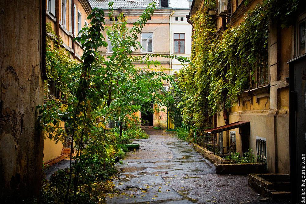 unique-odessa-patios-ukraine-16.jpg