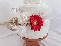 Minimalist Cake Decor