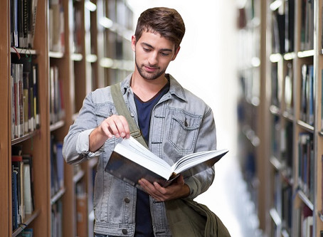 English Degree Courses In The UK: 5 Programmes Worth Checking Out
