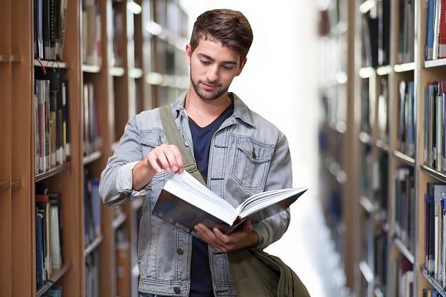English undergraduate reading literature textbook