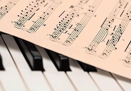 Piano lesson in progress