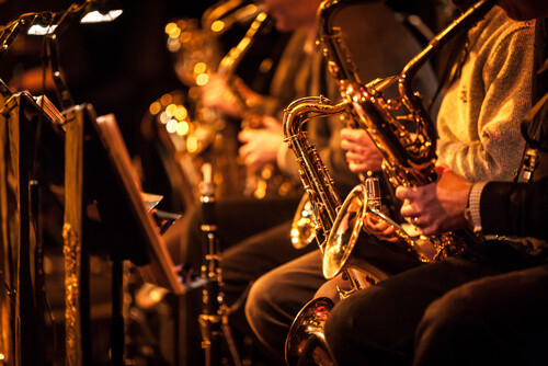 Jazz musicians playing the changes
