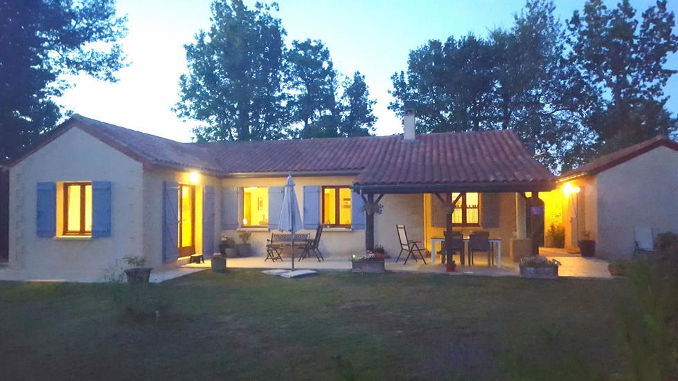 Maison Rurale by night.jpg