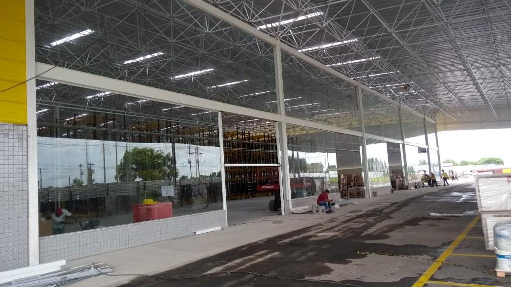 Esquadrias em geral e fachada vidro
