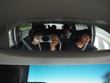 大分遠征の車内