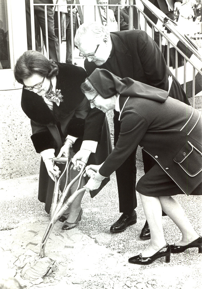 Until 1995, hospital administrators and department heads at Santa Rosa were always Sisters. Sr. Angela Clare Moran (1916–2003) was the last Sister administrator at Santa Rosa, serving until 1987. She is pictured here at a groundbreaking with then-mayor Lila Cockrell and Bishop Fury in 1975.