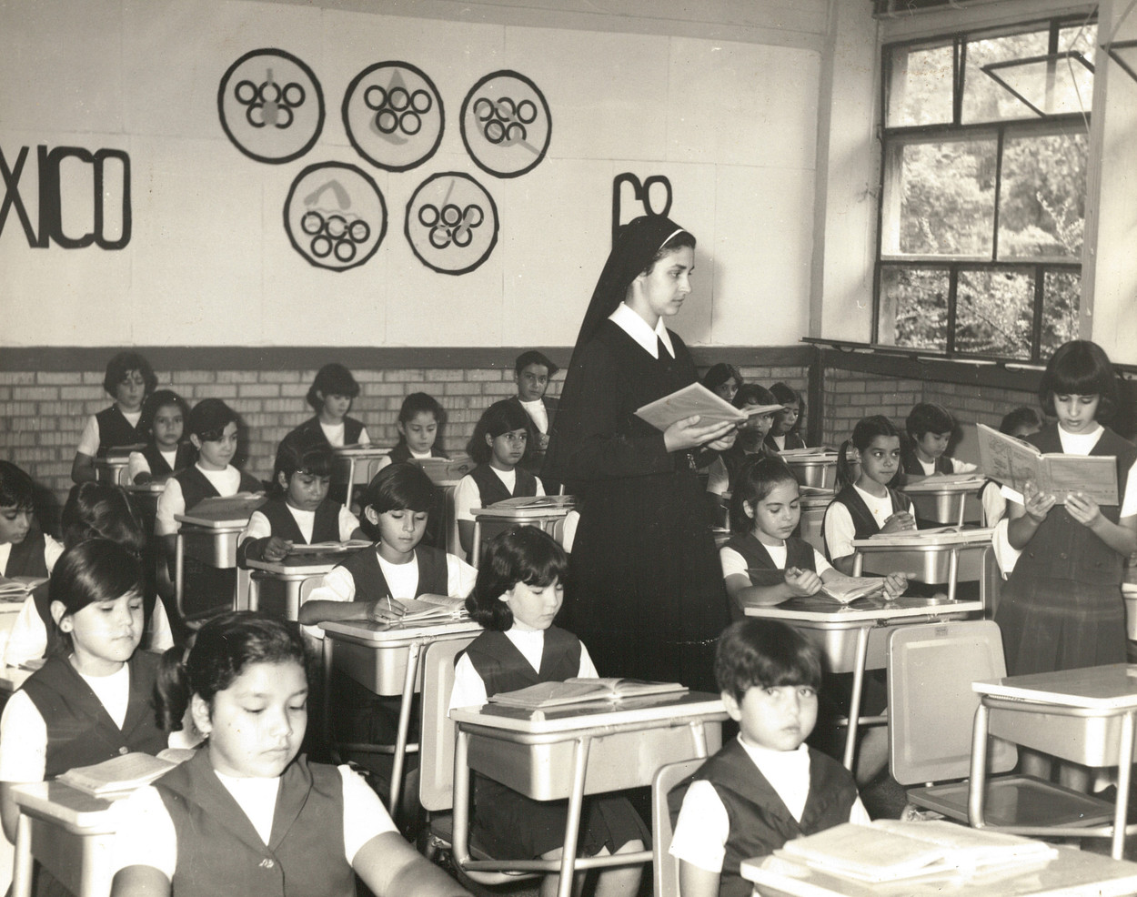 Sr. María Gabriela Virgen (1894–1983) believed in the power of teachers. As a young teacher in the 1920s, she struggled to educate her students in spite of the Mexican government's intolerance of religious learning. She persisted and co-founded the Instituto Hispano Inglés in San Luis Potosí in 1937 and became director of schools of the Incarnate Word Sisters in Chihuahua, Monterrey, and Mexico City. She believed passionately that teachers should be well educated and founded the teachers college at the Instituto Miguel Ángel in 1950.