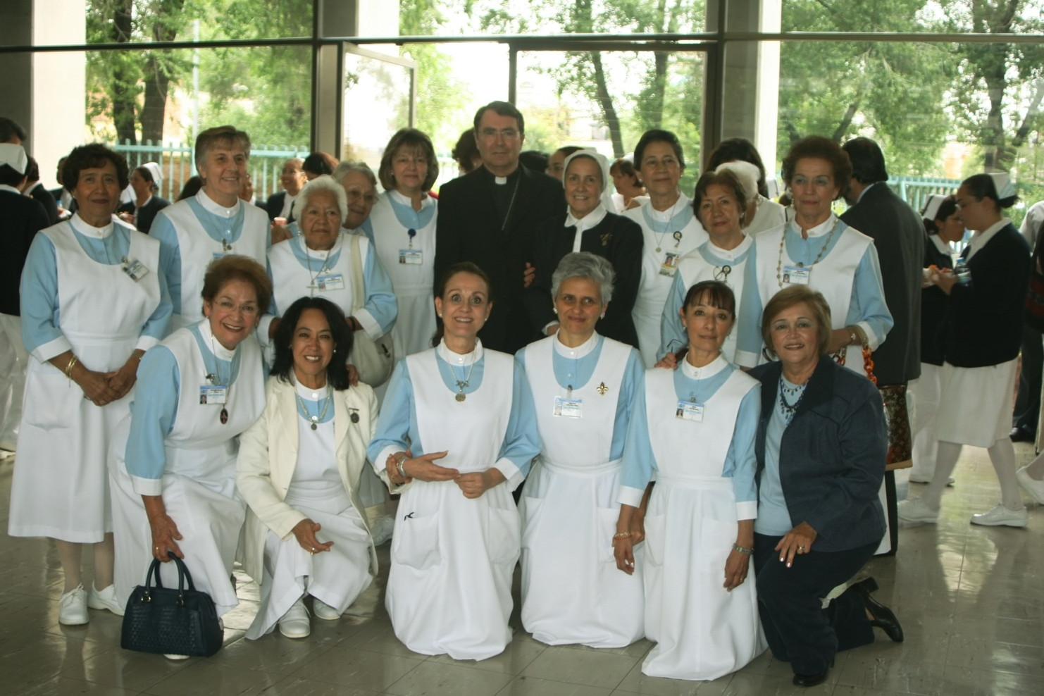 Lay volunteers at Instituto Nacional de Cardiología in Mexico City.