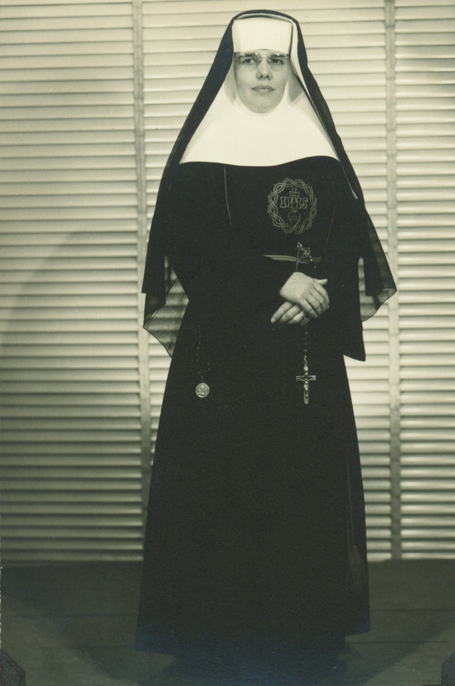 A provincial leader in Mexico during the 1950s, Sr. María Felícitas Villegas (1912–1992) embodied the response of the Incarnate Word sisters to understanding the signs of the times following the Vatican II council. When the call came for Incarnate Word sisters to serve the poor in Chimbote, Peru, Sr. María Felícitas Villegas was among the first sisters to travel to Peru. She set up La Posta, a small hospital to aid the very poor. She also became an administrator for the Police Hospital in Lima, Peru.