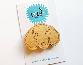 MEAK - Daschund Doggo Brooch / Badge